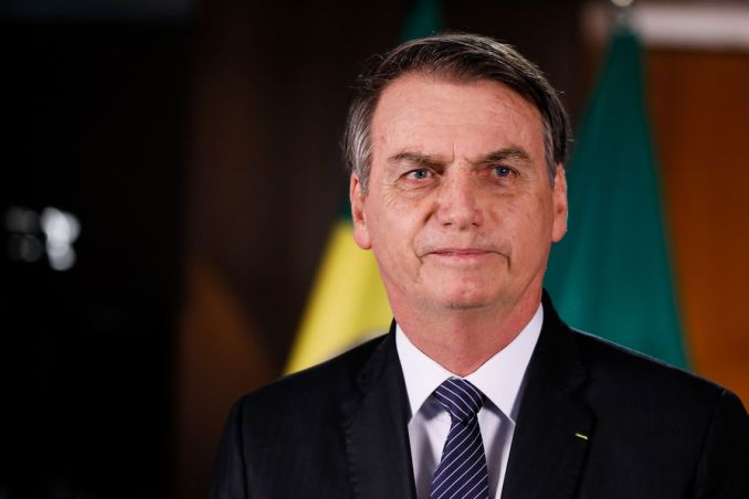 Presidente Jair Bolsonaro testa positivo para covid-19