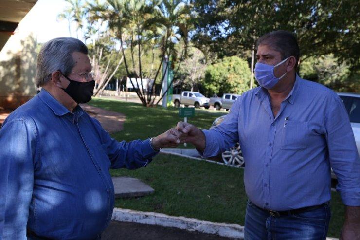 Onevan e Marcílio trabalham para abertura de abatedouro em NHS