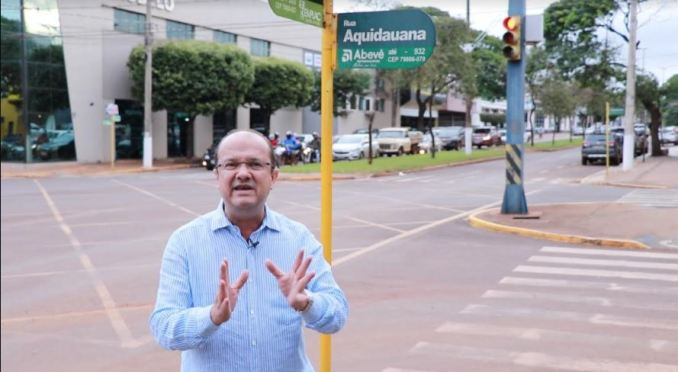 Barbosinha comemora obras de revitalização das ruas do quadrilátero central de Dourados