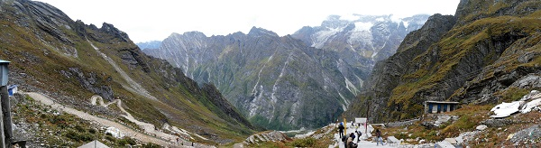Panorama of the track crossing the waterfall heads at Hemkund