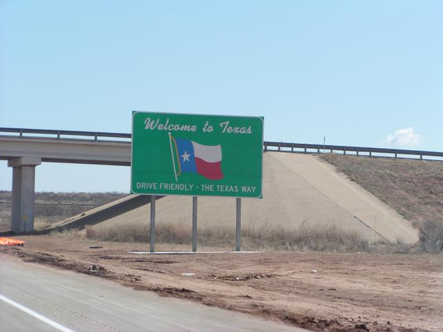 I-40 Welcome to Texas sign