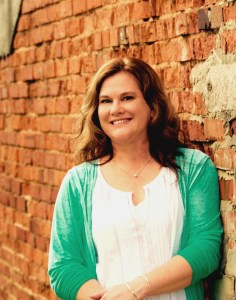 Teri Lynne Underwood    encourager of busy women and girl moms    www.terilynneunderwood.com    author of Praying for Girls: Asking God for the Things They Need Most (Bethany House, July 2017)