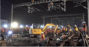 Agilidade: Em menos de 9 horas chineses constroem linha de trem