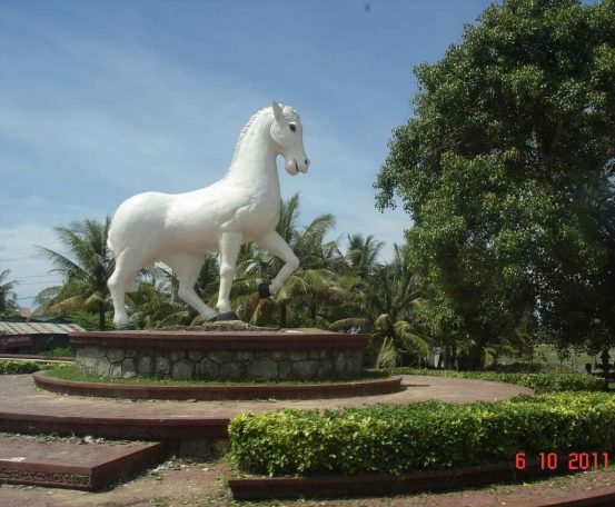 White Horse Monument-Kep to Kampot- Black Pepper Plantations