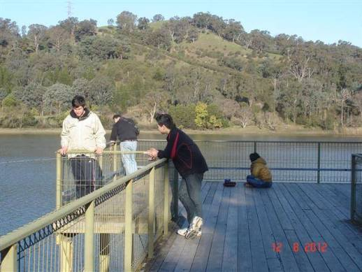 Lake Eildon fishing pier has wheelchair access,lake views upstream-downstream.