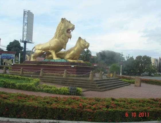 Golden Lions of Sihanoukville at the  traffic circle