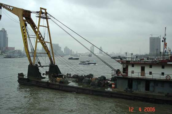Port-of-Shanghai-Barge-and-