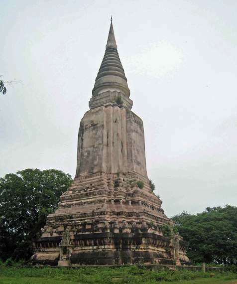 AncientStupa1Oudong