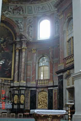 Right side main altar - Ettal Basicila