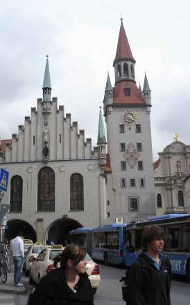 Sightseeing Old-town-Hall,Munich,Romantic road Germany