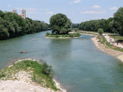 """Isar an der Wittelsbacher Bruecke Muenchen-4"" by Rufus46 - Own work. Licensed under CC BY-SA 3.0 via Wikimedia Commons - http://commons.wikimedia.org/wiki/File:Isar_an_der_Wittelsbacher_Bruecke_Muenchen-4.jpg#/media/File:Isar_an_der_Wittelsbacher_Bruecke_Muenchen-4.jpg"