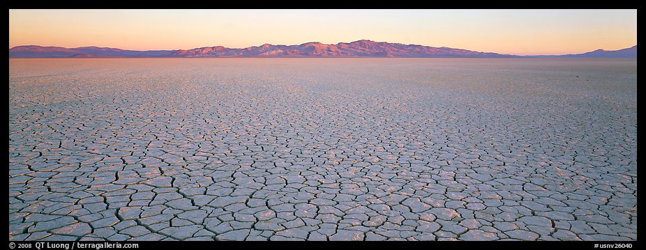 Panoramic PicturePhoto Desert landscape with cracked mud