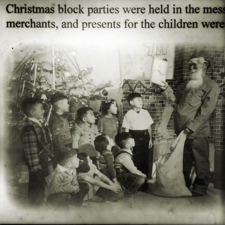 Amache photograph of Japanese children and Santa. Photo by Sarah Skeen.