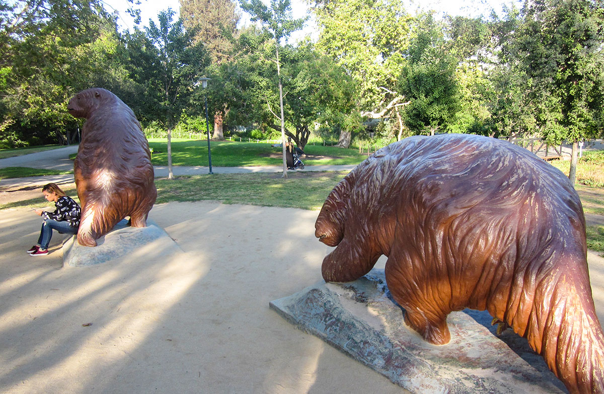 Statues of giant sloths at Le Brea Tar Pits