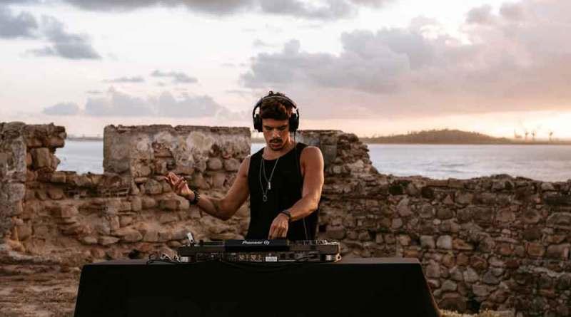 DJ KÄNT lança show solo gravado nas ruínas do Forte de Nazaré