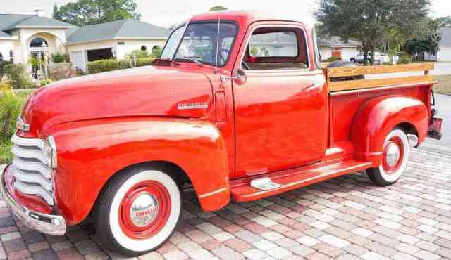 Chevrolet pick-up 'Adevance Design rojo del año 1947