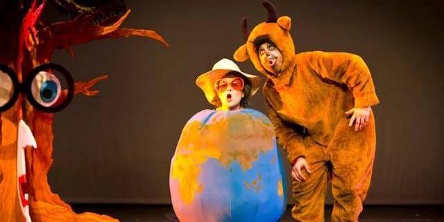 Representación de la obra de teatro de Marsillach patrocinada por Helvetia