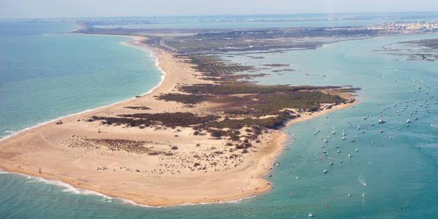 Playa de Camposoto (San Fernando) desde el aire