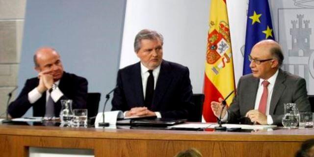 CONSEJO de MINISTROS con Cristóbal Montoro de Hacienda hablando sobre los módulos IRPF