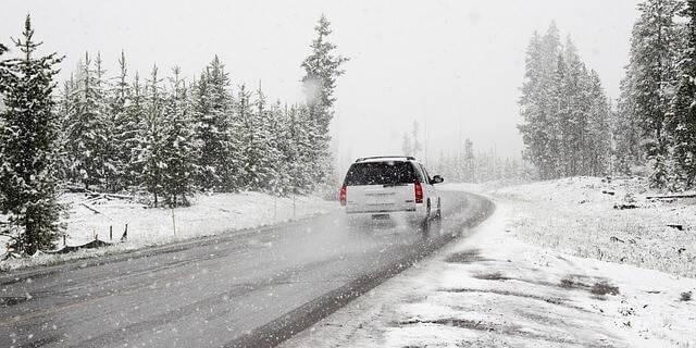 Como conducir con hielo y nieve