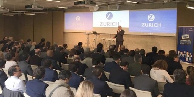 Zurich presentando su seguro para pymes ante el canal de corredores y mediadores