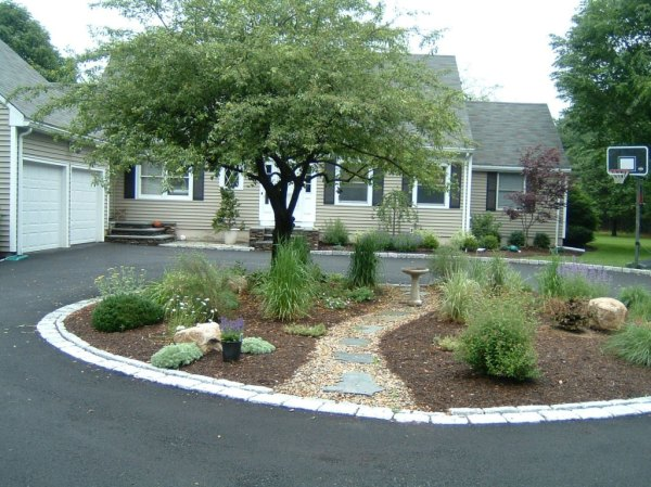 circle driveway garden and terrace