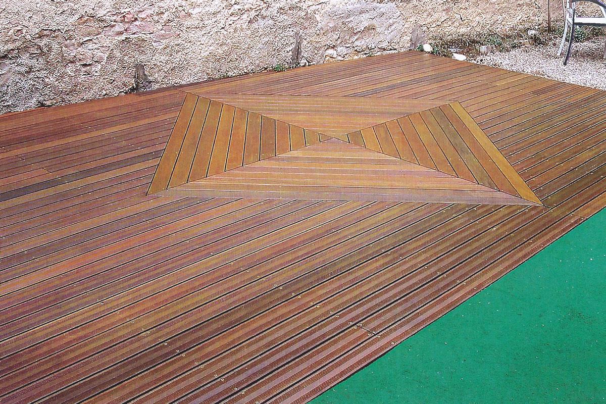terrasse en bois avec decoration