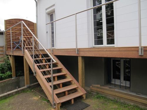 Balcon En Bois Sur Poteaux