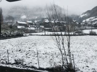 Expedition-Truck-Terratrottor-France-Snow-Town