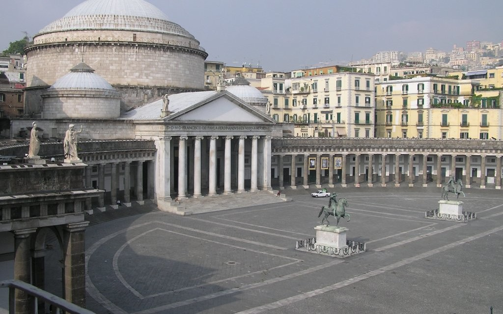 Piazza Plebiscito  Terrazza Partenopea Bed and Breakfast