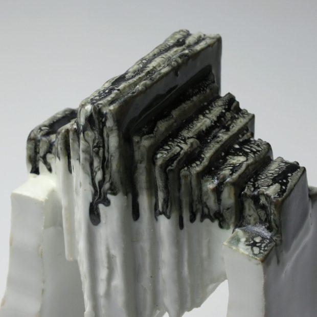 StoneWar 1 5 scaled   Eric Faure   StoneWar 1   Produit   120,00€   7224   Sculpture en porcelaine émaillée   Eric Faure   Terre et Terres   10 décembre 2020