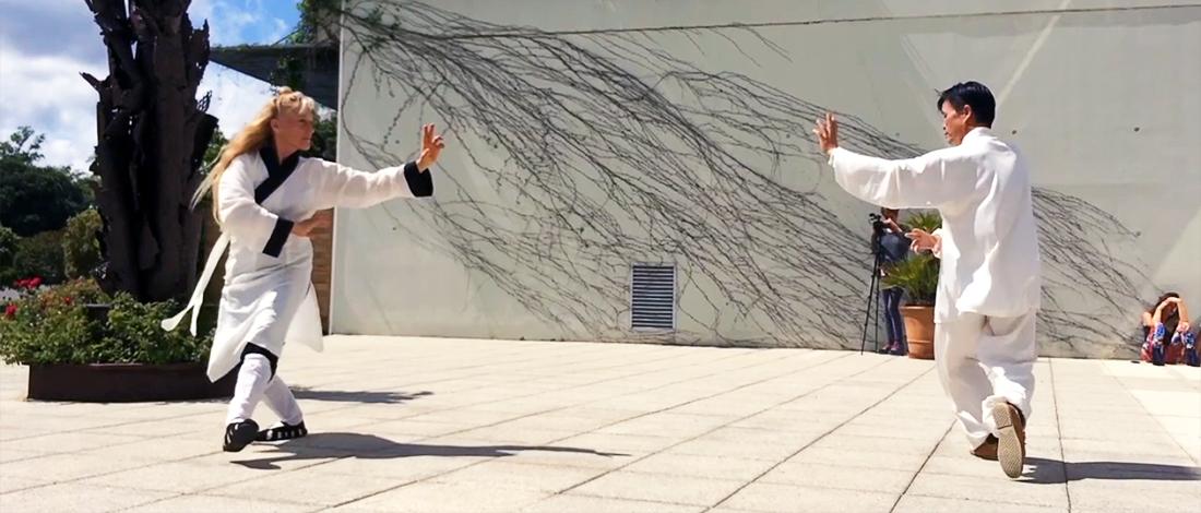 Démonstration de Bagua Zhang par Maître Zhang Kunlin et Catherine-Isaure Bousquet