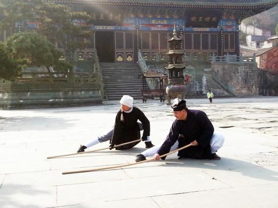 Pratique du bâton avec Maître Chen Li Sheng, décembre 2015