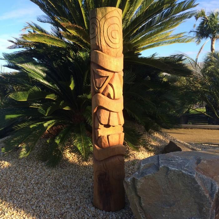 Totem Tiki bois