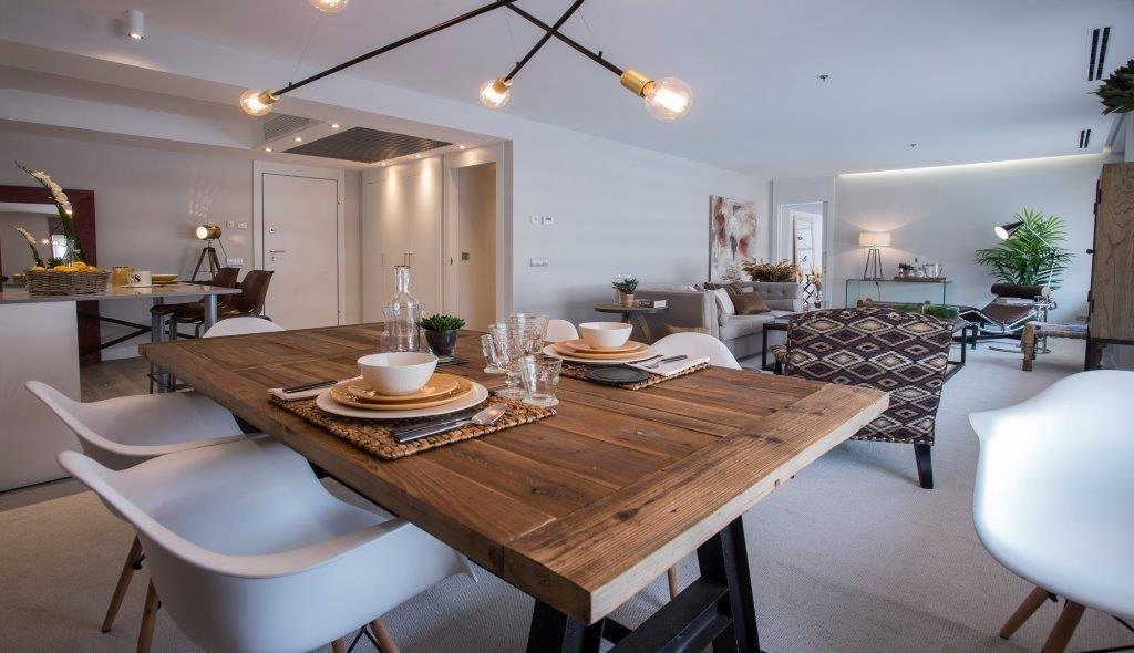 Un confortable apartamento de estilo industrial