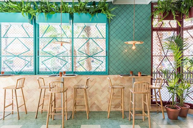 detalles vegetales en decoración de restaurante