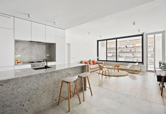 cocina en reforma de apartamento en Barcelona