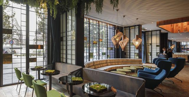 Interiorismo de hotel Marquis; acceso y salón