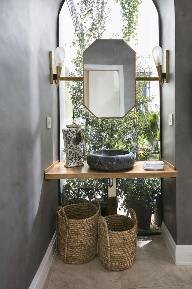 Diseño interior de baño de un palacete en Córdoba