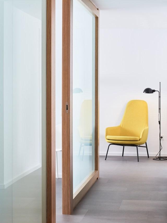 Detalle de mobiliario en la decoración de una clínica