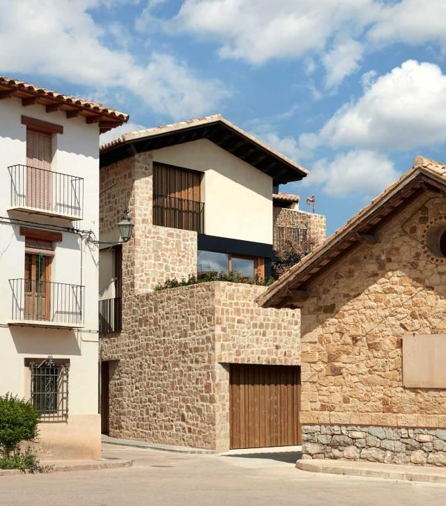 Arquitectura e interiorismo rural casa Rubielos