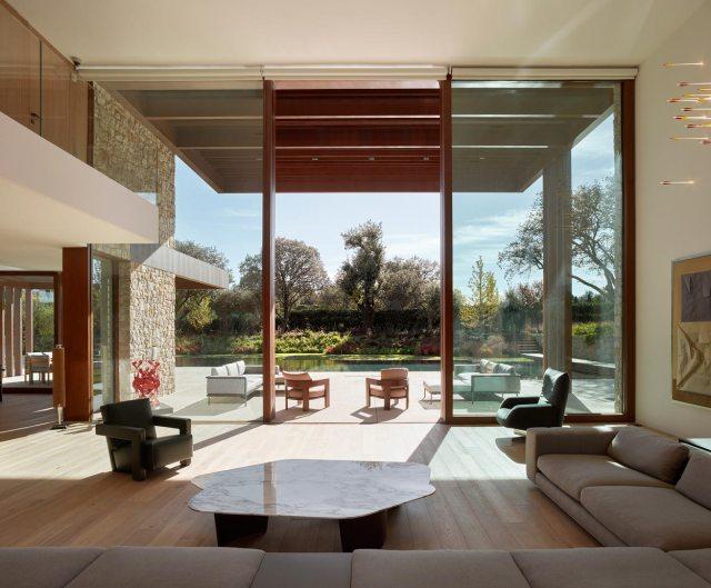 Mobiliario de diseño en casa en La Finca