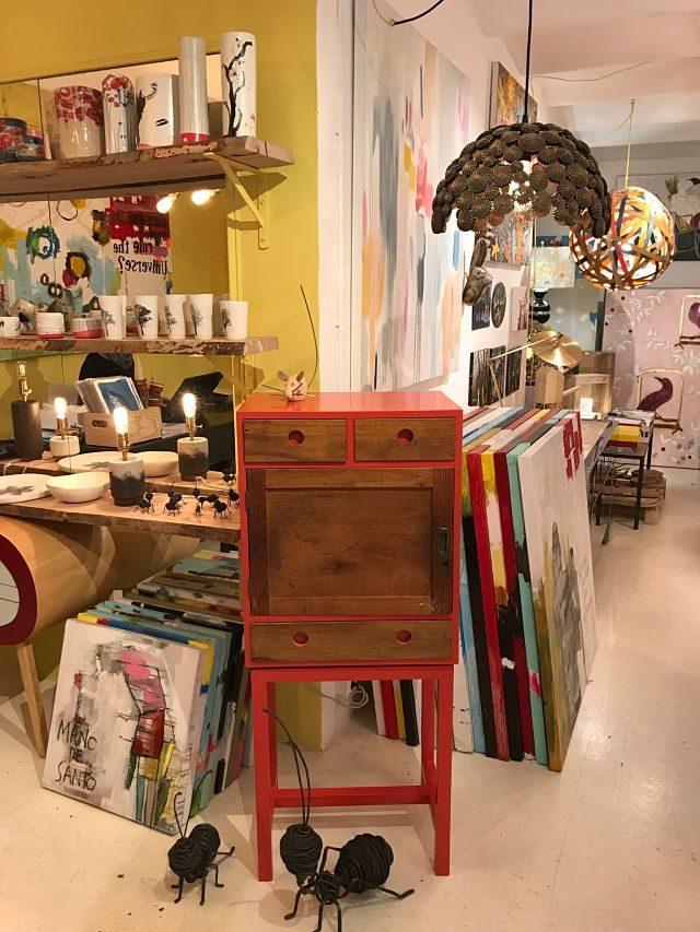 Muebles y objetos de decoración en Ici et là
