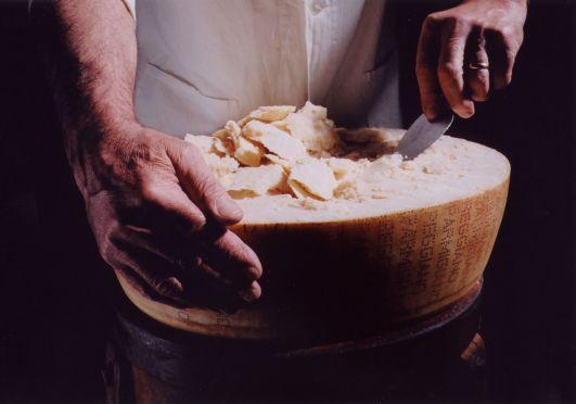 Parmigiano Reggiano découpe copeaux