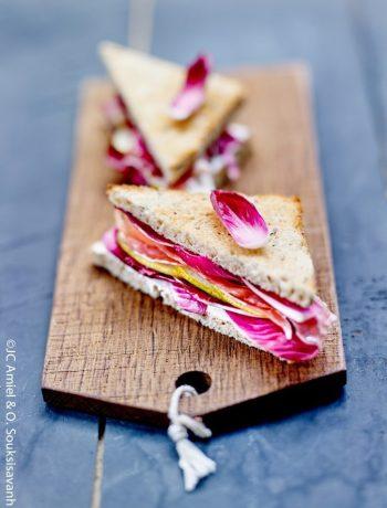 Sandwich endives carmine, jambon fumé