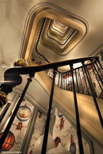 Saint James Paris escalier montgolfières TerroirEvasion.com