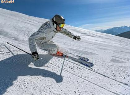 Skieur grand Bornand@Albe84 TerroirEvasion.com
