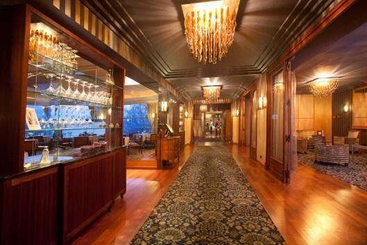 Les Trésoms Lake and SPA Resort Annecy -Hall de l'hôtel