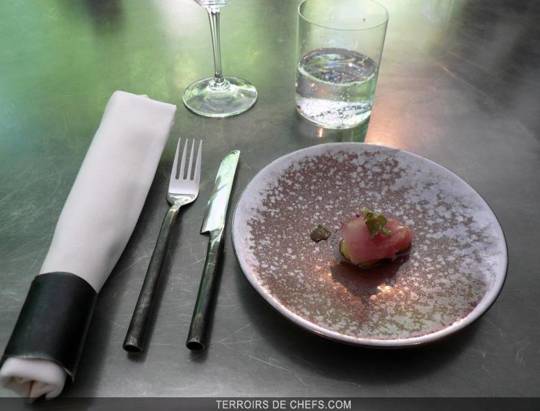 table de cuisine carrée