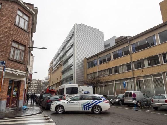 La Capitale - photo - Cristian Samoila, Incendie, Police, Pompiers, Perimetre de securite, RTBF, Place Flagey, Rue du Belvedere, 1050 Ixelles